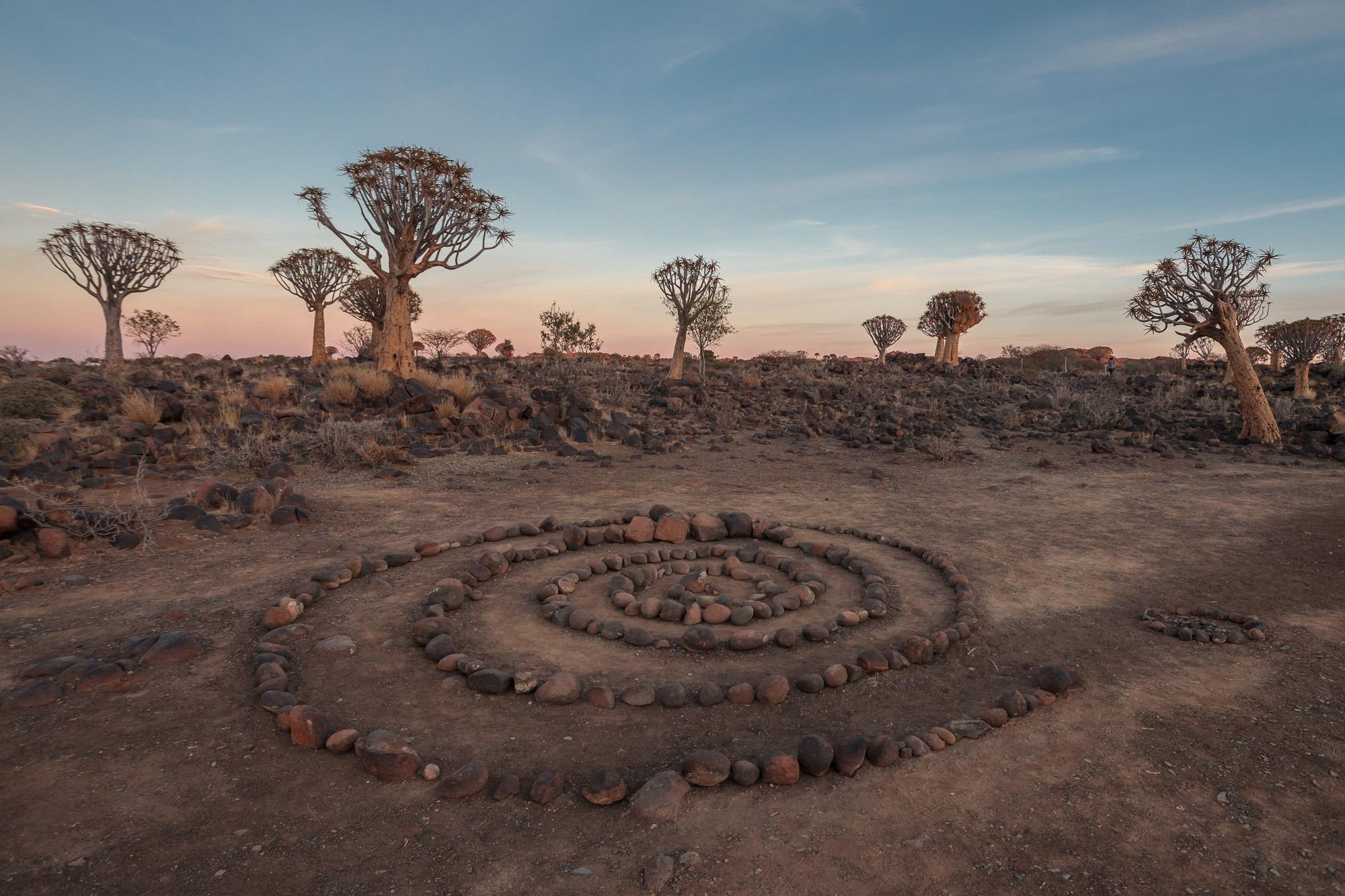 Steinkreis am Köcherbaumwald in Namibia Quiver Tree Forest