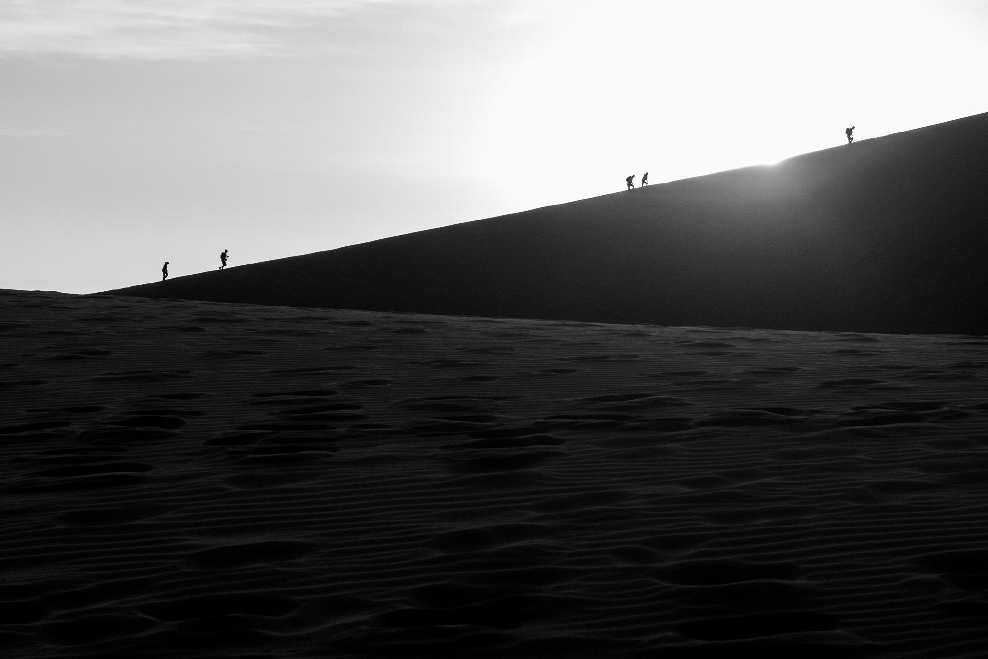 Gegenlicht Sossusvlei Namibia Aufstieg Düne