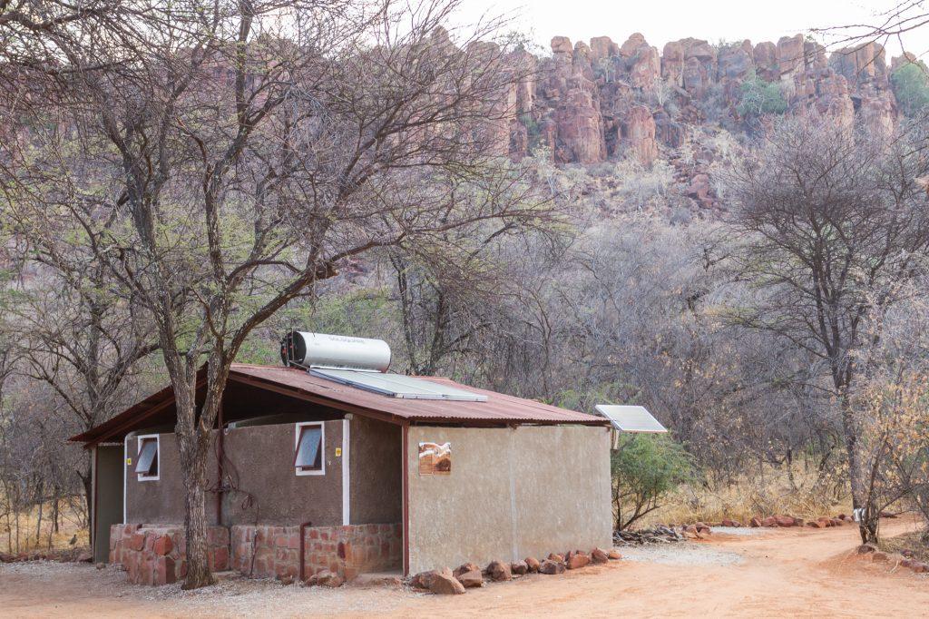 Sanitäranlagen auf dem Campingplatz des Waterberg Plateau Campsite in Namibia